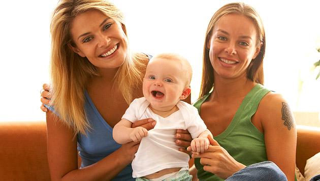 Samenspende für lesbische Paare muss möglich sein (Bild: thinkstockphotos.de (Symbolbild))