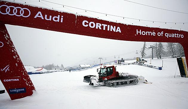 Damen-Abfahrt in Cortina abgesagt (Bild: AP)
