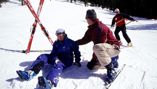 Richtiges Verhalten bei Wintersport-Unfällen (Bild: thinkstockphotos.de)