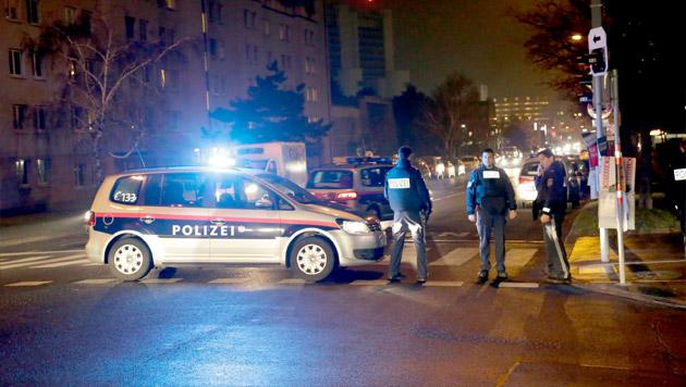 Polizei-Pistole geraubt: Rätsel um Täter-Identität (Bild: Klemens Groh)
