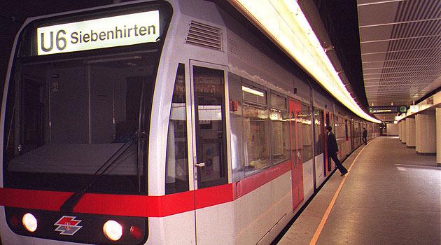 U-Bahn-Stationswart bei Messerattacke verletzt (Bild: APA/Harald Schneider (Symbolbild))