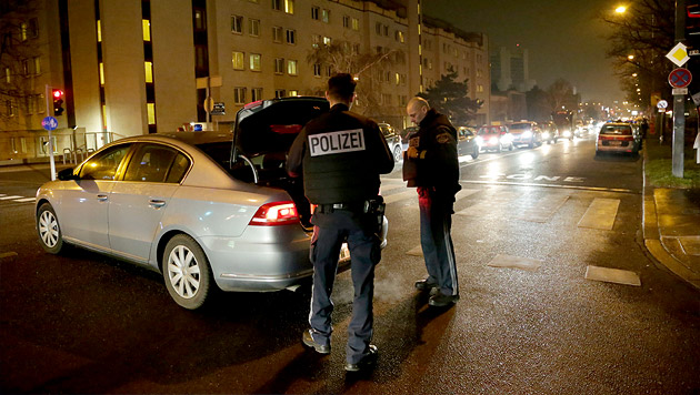 Wien: Mann entreißt Polizist Waffe und schießt (Bild: Klemens Groh)