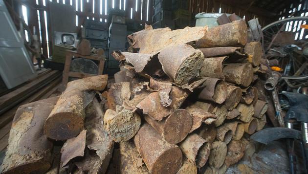 Kistenweise scharfe Granaten in Scheune entdeckt (Bild: APA/Neumayr/MMV)