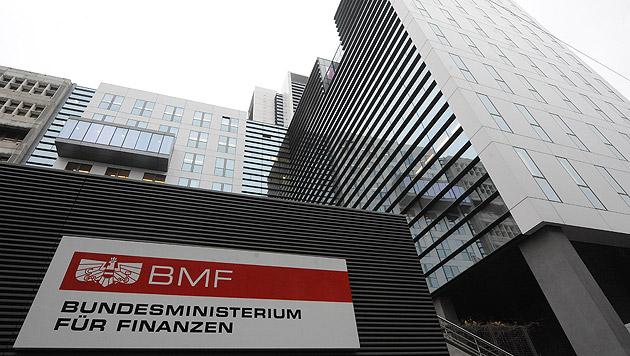 Österreich verdient mit Negativzinsen 65 Mio. Euro (Bild: APA/Herbert Pfarrhofer)