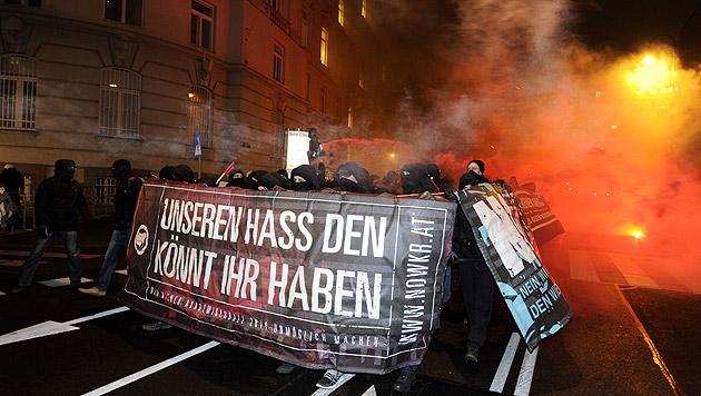 "VdB: ""Was soll der Krawall, lasst sie tanzen!"" (Bild: APA/Herbert P. Oczeret)"