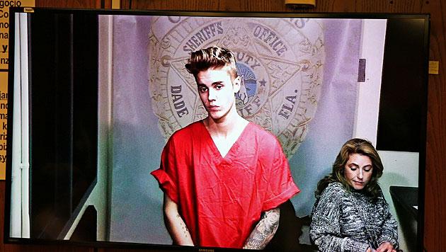 Bieber nach Alko-Fahrt gegen Kaution frei (Bild: AP)