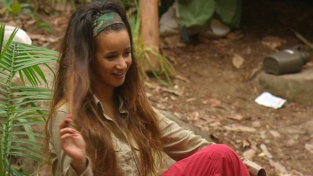Dschungelcamp: Gabby und ihr haariges Problem (Bild: RTL/Stefan Menne)
