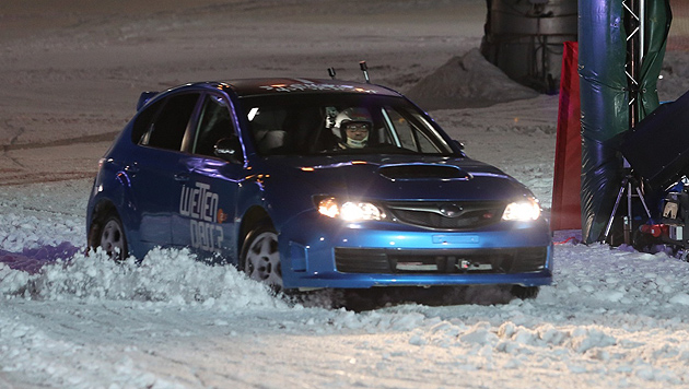 Hermann Maier triumphiert gegen Rallye-Auto (Bild: Uta Rojsek-Wiedergut)