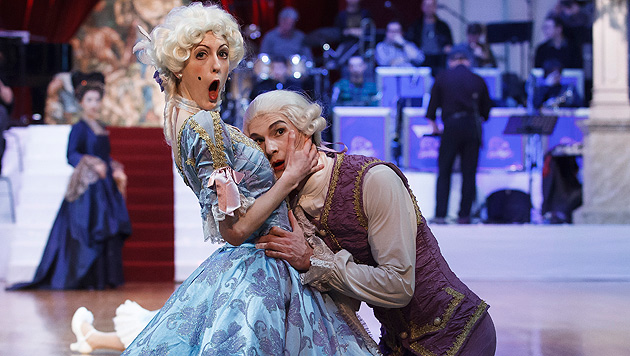 Grazer Opernredoute lockte Balltiger aufs Parkett (Bild: APA/ERWIN SCHERIAU)