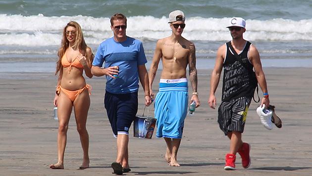 Justin Bieber urlaubt mit sexy Chantel in Panama (Bild: AP)