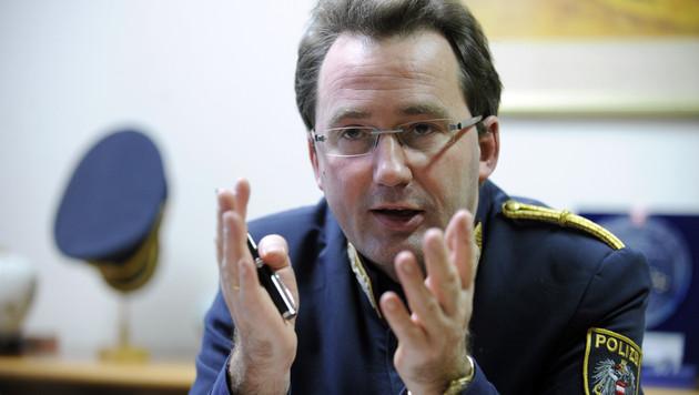 """Polizeipräsident: """"Wir kennen die Tätergruppen"""" (Bild: APA/ROLAND SCHLAGER)"""