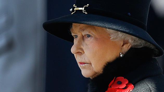 Marode Paläste kosten: Die Queen muss sparen (Bild: AP)