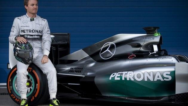 Mercedes fährt mit Botschaft für Schumacher (Bild: AFP)