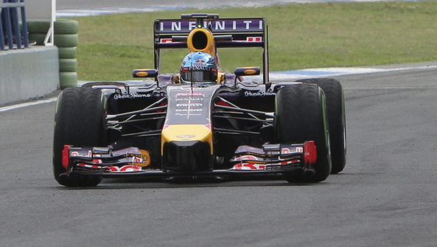 Vettel erlebt im neuen Red Bull Testfarce (Bild: APA/EPA/Roman Rios)