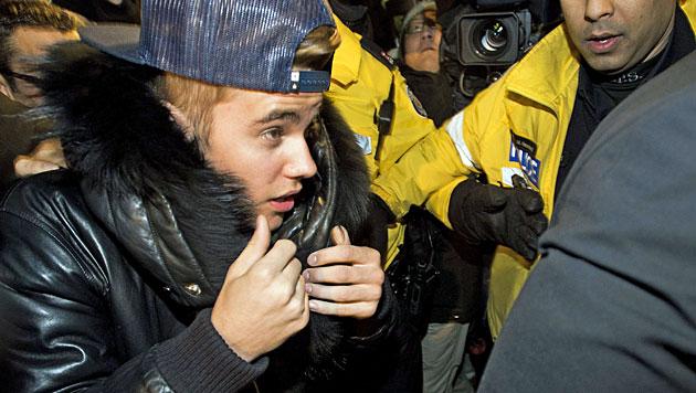 Prügel-Vorwurf: Bieber stellt sich Polizei (Bild: AP)