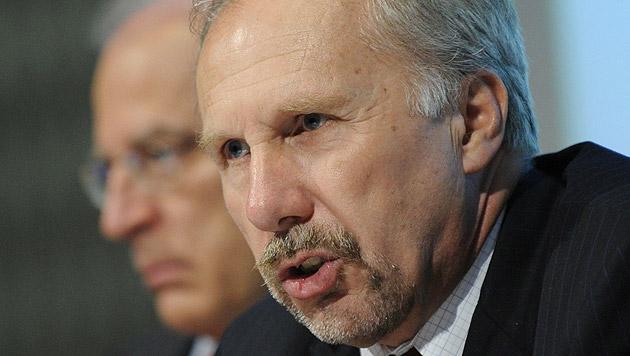 OeNB-Gouverneur Ewald Nowotny (Bild: APA/Helmut Fohringer)
