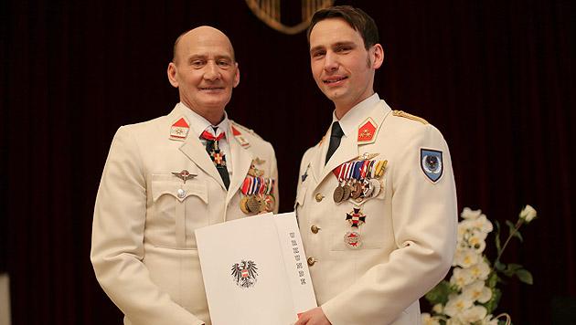 Zwei Soldaten gaben sich in Uniform das Jawort (Bild: Gerhard Bartel)