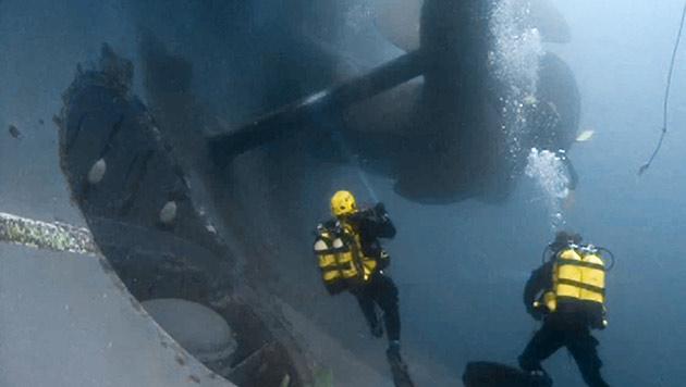 """""""Costa Concordia"""": Taucher bei Einsatz verblutet (Bild: AP)"""
