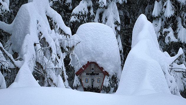 Schneemassen halten Österreichs Süden in Atem (Bild: GEMEINDE KARTITSCH/HANDOUT)