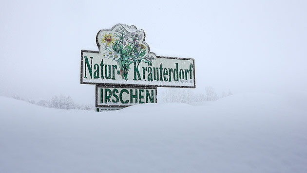 Schneemassen halten Österreichs Süden in Atem (Bild: APA/EXPA/JOHANN GRODER)