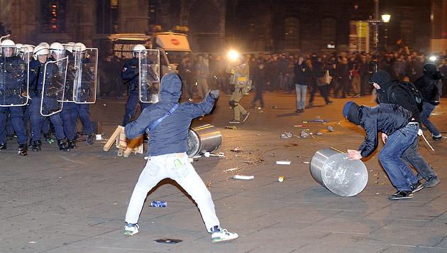 Wirtschaft und FPÖ für Demo-Verbot in Innenstadt (Bild: APA/HERBERT P. OCZERET)