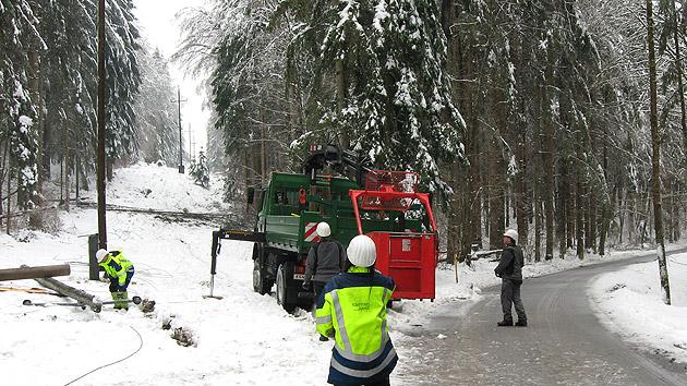 Glatteis hält Osten Österreichs im eisigen Griff (Bild: APA/KELAG,HANDOUT)