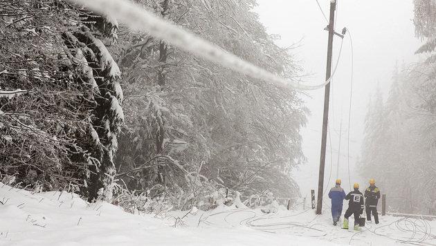 """Einsätze gegen Stromausfälle """"unter Lebensgefahr"""" (Bild: APA/ENERGIE STEIERMARK)"""