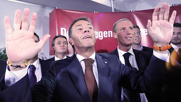 """Haider damals über Hypo: """"Kärnten wird reich!"""" (Bild: APA/Georg Hochmuth)"""