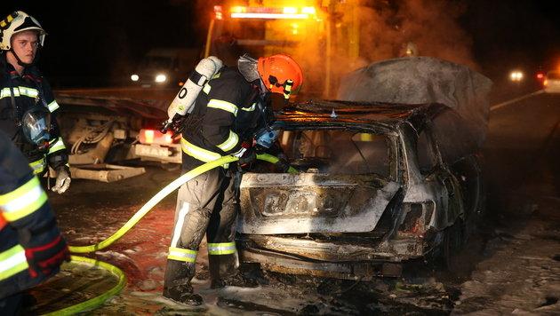 OÖ: Auto ging kurz nach Kauf in Flammen auf (Bild: laumat.at/Matthias Lauber)