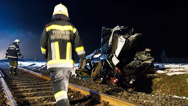Stmk: Zug rammt Auto - vier Tote (Bild: APA/Erwin Scheriau)