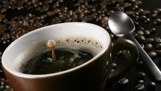 Kaffee-Firma wollte von Kundin 4000 Euro kassieren (Bild: APA/dpa/Tobias Hase)