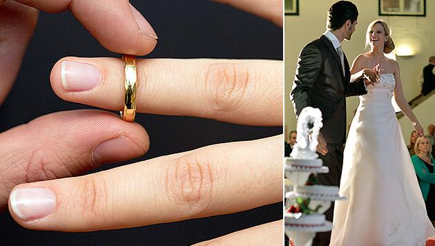 Österreicher lassen sich mit dem Heiraten Zeit (Bild: dpa/Friso Gentsch, APA/BARBARA GINDL)
