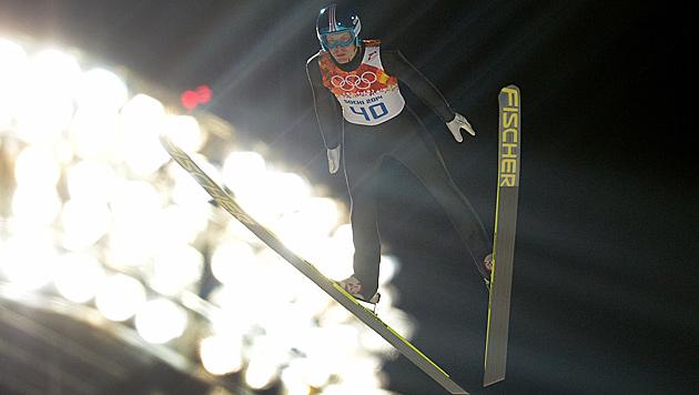 Michael Hayböck auch Bester der Großschanzen-Quali (Bild: APA/ROLAND SCHLAGER)