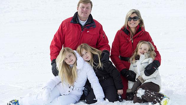 Holländische Königsfamilie wieder auf Lech-Urlaub (Bild: APA/DIETMAR STIPLOVSEK)