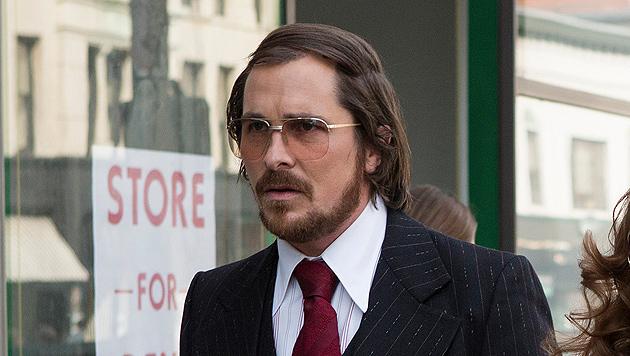 Christian Bale ist fast nicht wiederzuerkennen! (Bild: AP)