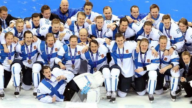 Finnen demütigen im kleinen Finale USA mit 5:0 (Bild: APA/EPA/SRDJAN SUKI)