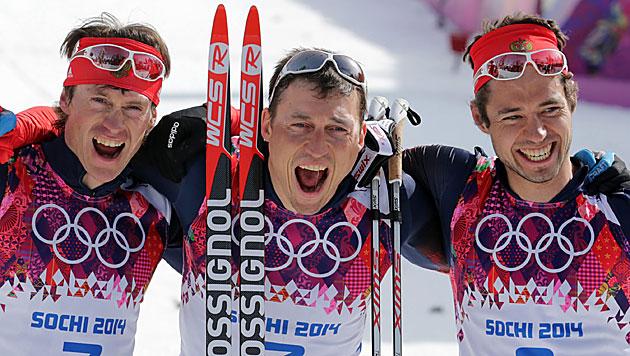Dreifachsieg für Russland im 50-km-Langlauf (Bild: EPA/KAY NIETFELD)