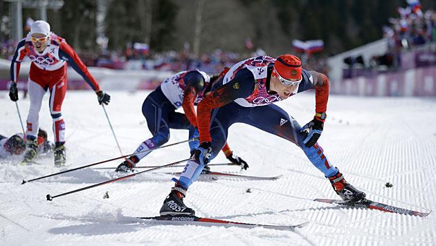 Dreifachsieg für Russland im 50-km-Langlauf (Bild: AP)
