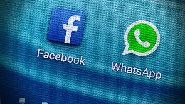 WhatsApp-Daten: Brüssel hakt bei Facebook nach (Bild: APA/dpa/Armin Weigel, krone.at-Grafik)