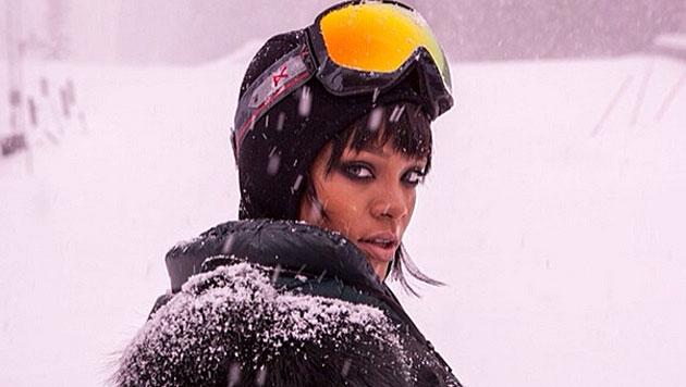 Bikini-Babe Rihanna lässt sogar Schnee schmelzen (Bild: instagram.com)