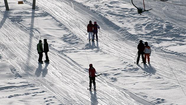 Kind bei Skiunfall verletzt: Frauen stellten sich (Bild: thinkstockphotos.de (Symbolbild))