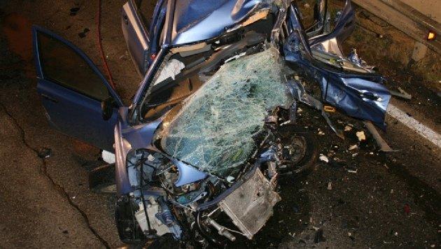 Autolenkerin stirbt bei Kollision mit Klein-Lkw (Bild: FF Gratkorn-Markt)