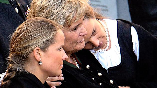 EU-Wahl: BZÖ trumpft mit Haiders Tochter auf (Bild: APA/BARBARA GINDL)