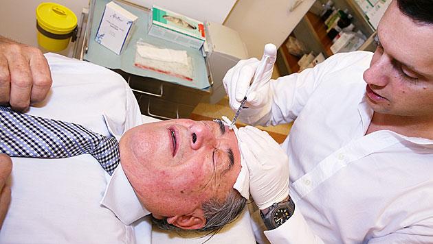 """Lugner: 15 Botox-Spritzerln für """"Frau Kardäschien"""" (Bild: Christina Noèlle)"""