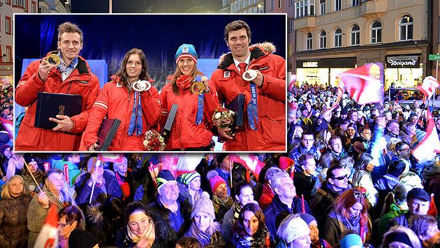 Tausende Fans bejubeln die Olympia-Heimkehrer (Bild: APA/BARBARA GINDL)