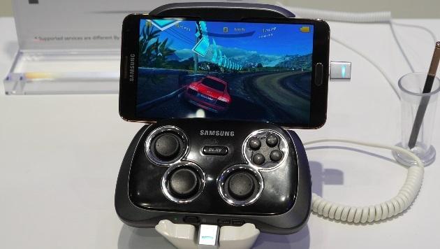 Galaxy-Smartphones sollen Spielkonsolen ersetzen (Bild: Dominik Erlinger)