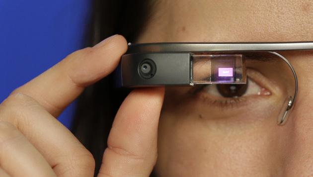 Google will Verbot von Glass am Steuer verhindern (Bild: AP)