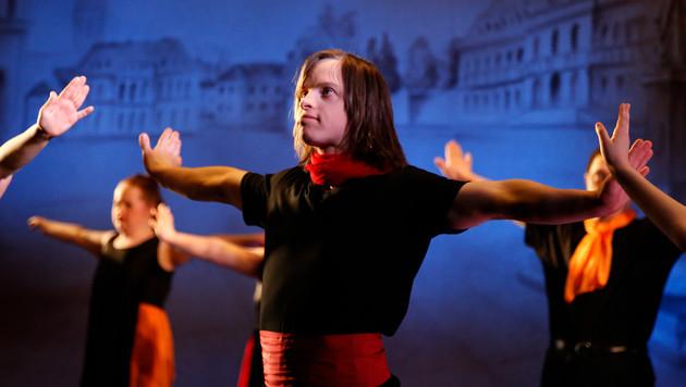 Tanzen über die Grenzen des Gewohnten hinweg (Bild: Constanze Trzebin)