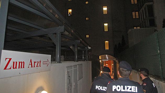 Wien: Tote und Schwerverletzter nach Schüssen (Bild: Andi Schiel)
