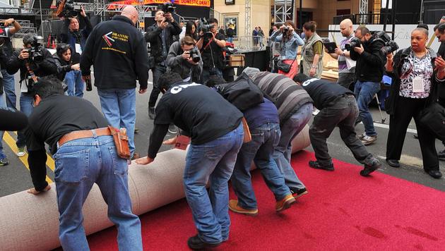 Cayenne statt Knallrot: Oscar-Teppich ist bereit (Bild: AP)
